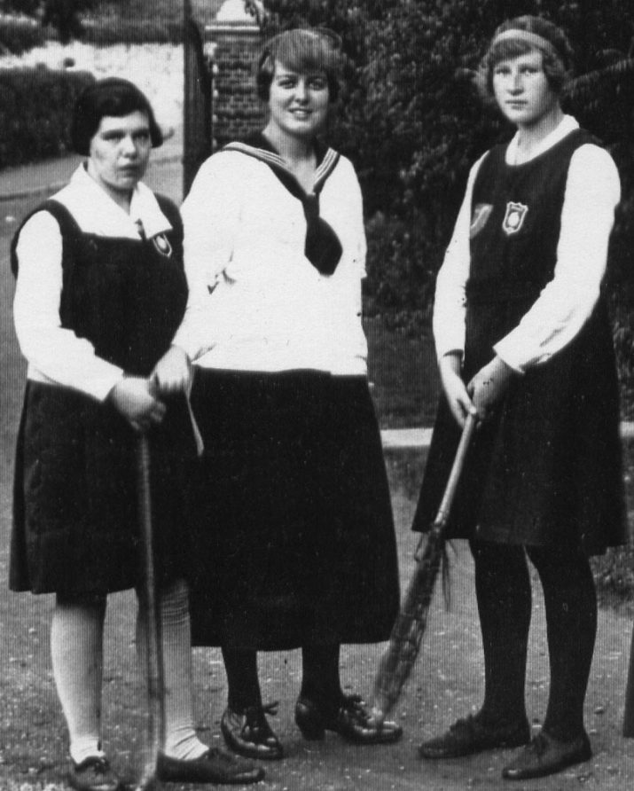 St Hilda's hockey, boat & lacrosse captains 1919   St Hilda's College Archive