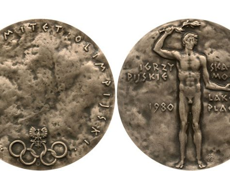 Medal from 1980 Moscow Olympics with Polish text | The British Museum