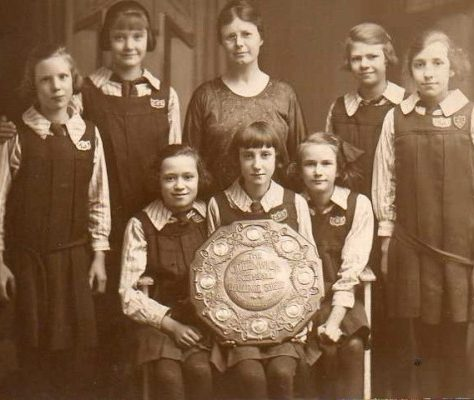 Calvert Road Girls School Team photo. Winners of Greenwich Netball Challenge Cup 1924-1925 |  England Netball Heritage Archive