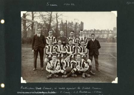 Here's team NHM in 1921/22. | Image courtesy of the Natural History Museum