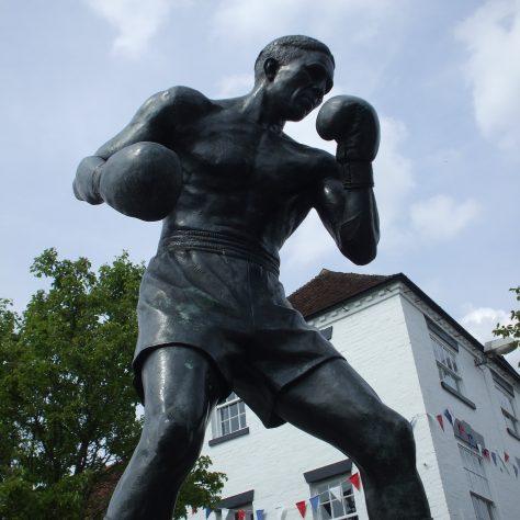 Randolph Turpin statue in Warwick | Image courtesy Benjamin Earl / Our Warwickshire