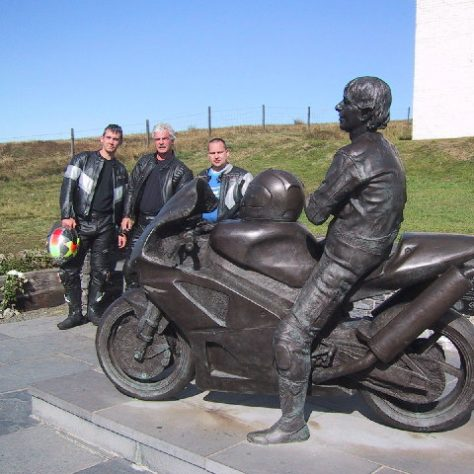 Joey Dunlop Monument | cc-by-sa/2.0 - © Lee Coward - geograph.org.uk/p/72350