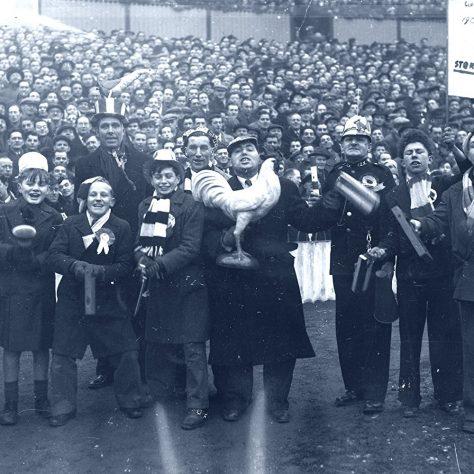 Spurs fans 1950s | Exposure