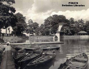 Original Wooden Coate diving board | Courtesy of Local Studies, Swindon Libraries